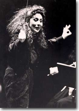 Judith Aller conducting Mozart with Accademia Filarmonica Los Angeles